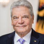 Bundespräsident Joachim Gauck / Porträtbild für Autogrammkarten.