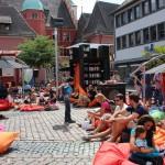 Der Freiburger Kartoffelmarkt für 4 Tage verwandelt in ein Lesewohnzimmer ...