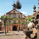 Marktplatz-mit-Rathaus_HD-Volz